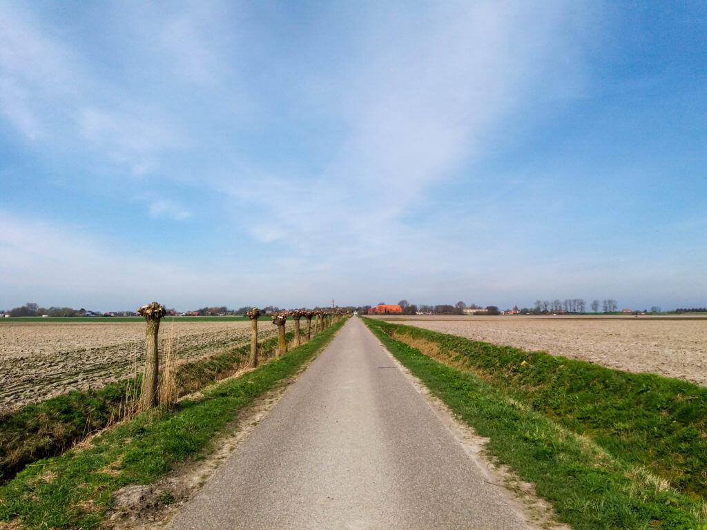 De polder van Zeeland is weids