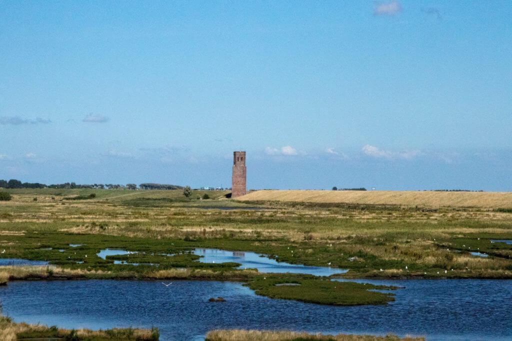 De plompe toren en de inlagen van Koudekerke