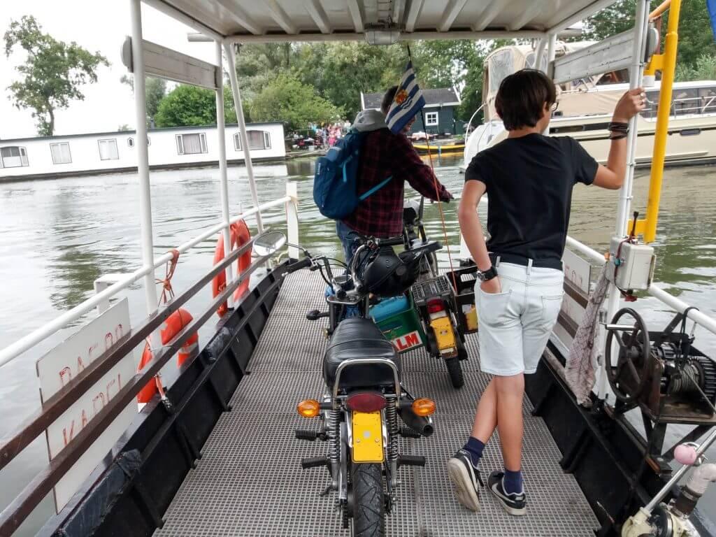 Met de fietspond over de Linge