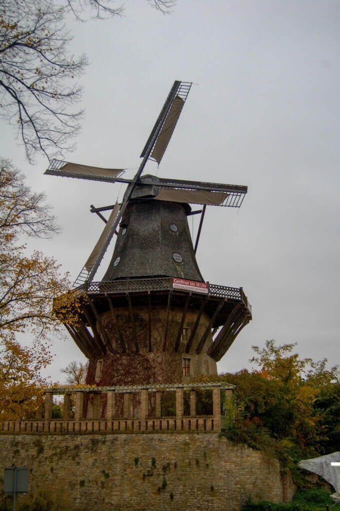 Hollandse molen in park Sanssouci