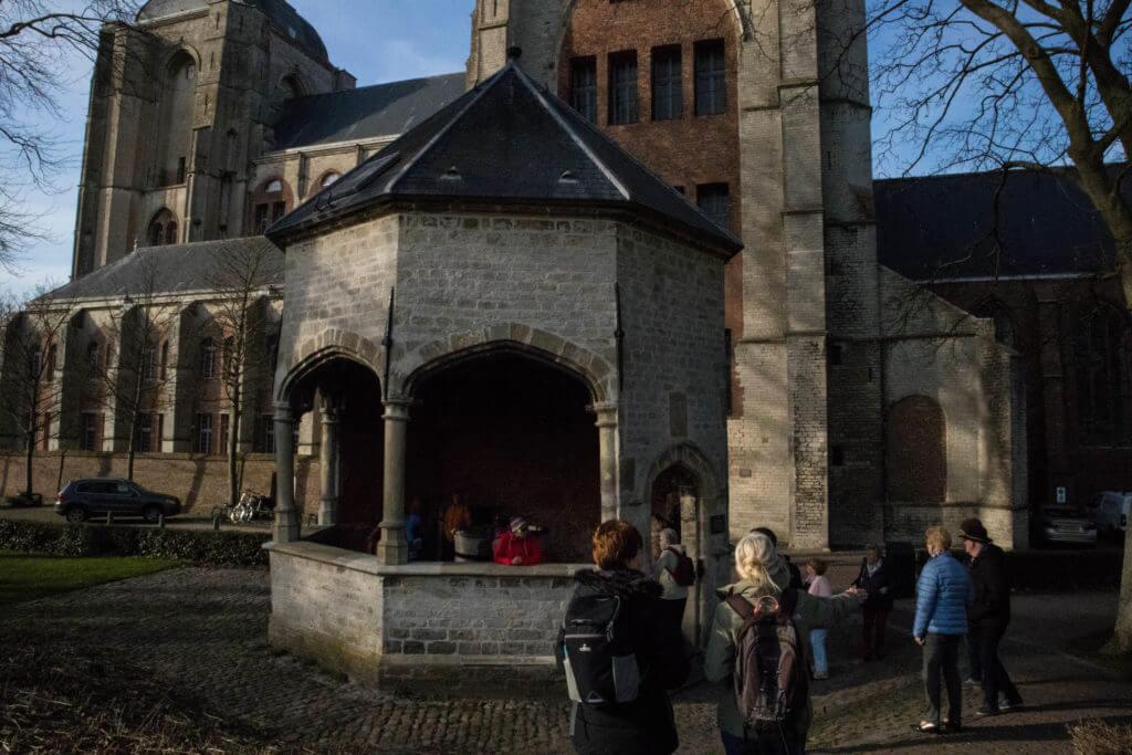 De oude waterput is de enige in Nederland die nog intact is