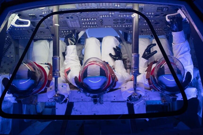 Zo zit je in de capsule van de Apollo