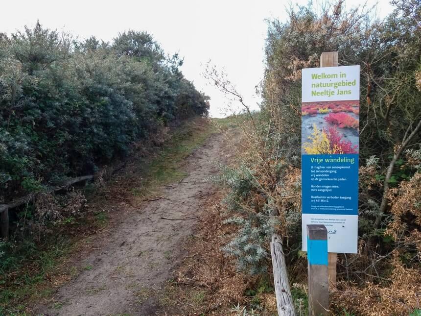 Vrij wandelen op wegen en paden in natuurgebied Neeltje Jans