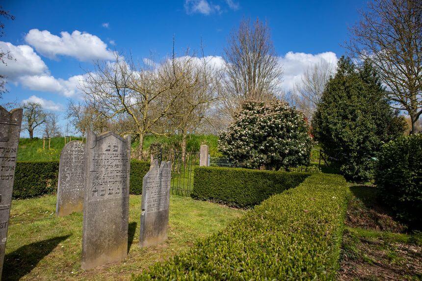 Kleine, oude joodse begraafplaats
